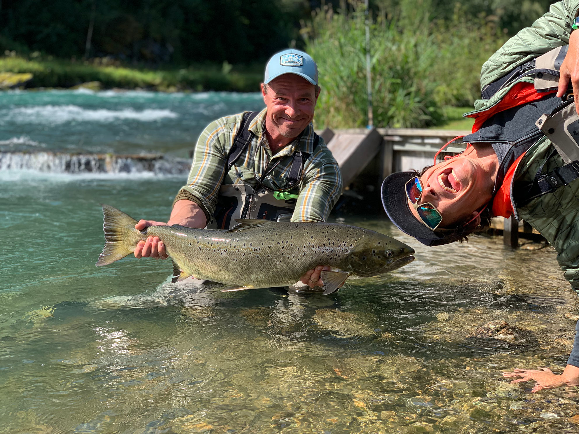 Scot de Bruyn with a client and Atlantic salmon on the Aaroy river